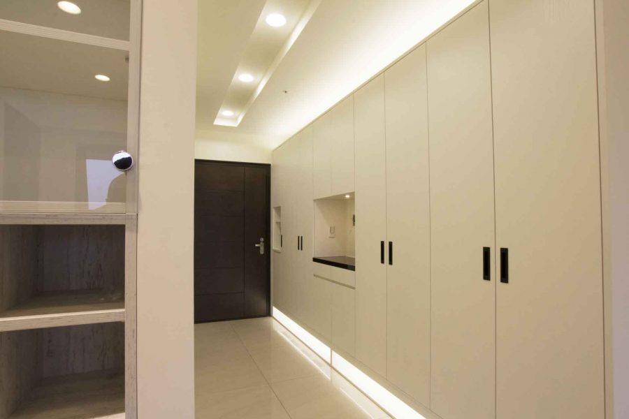 善用系統家具完成客製化玄關設計